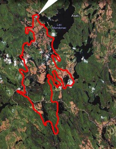 approx. 20km de longueur par un largeur de 5km